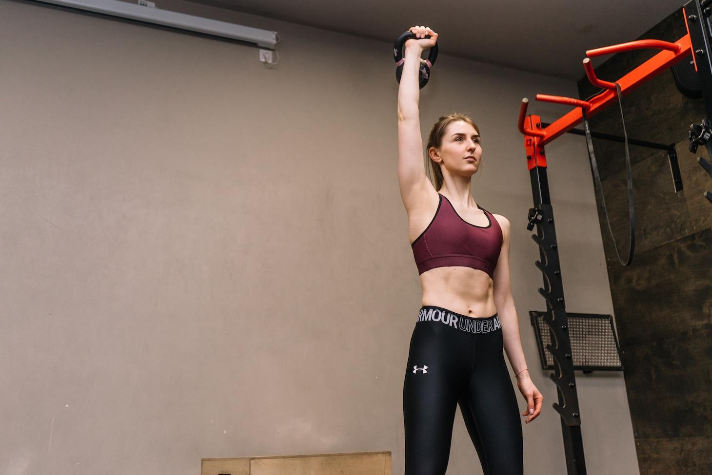 силовые тренировки не помеха женственности