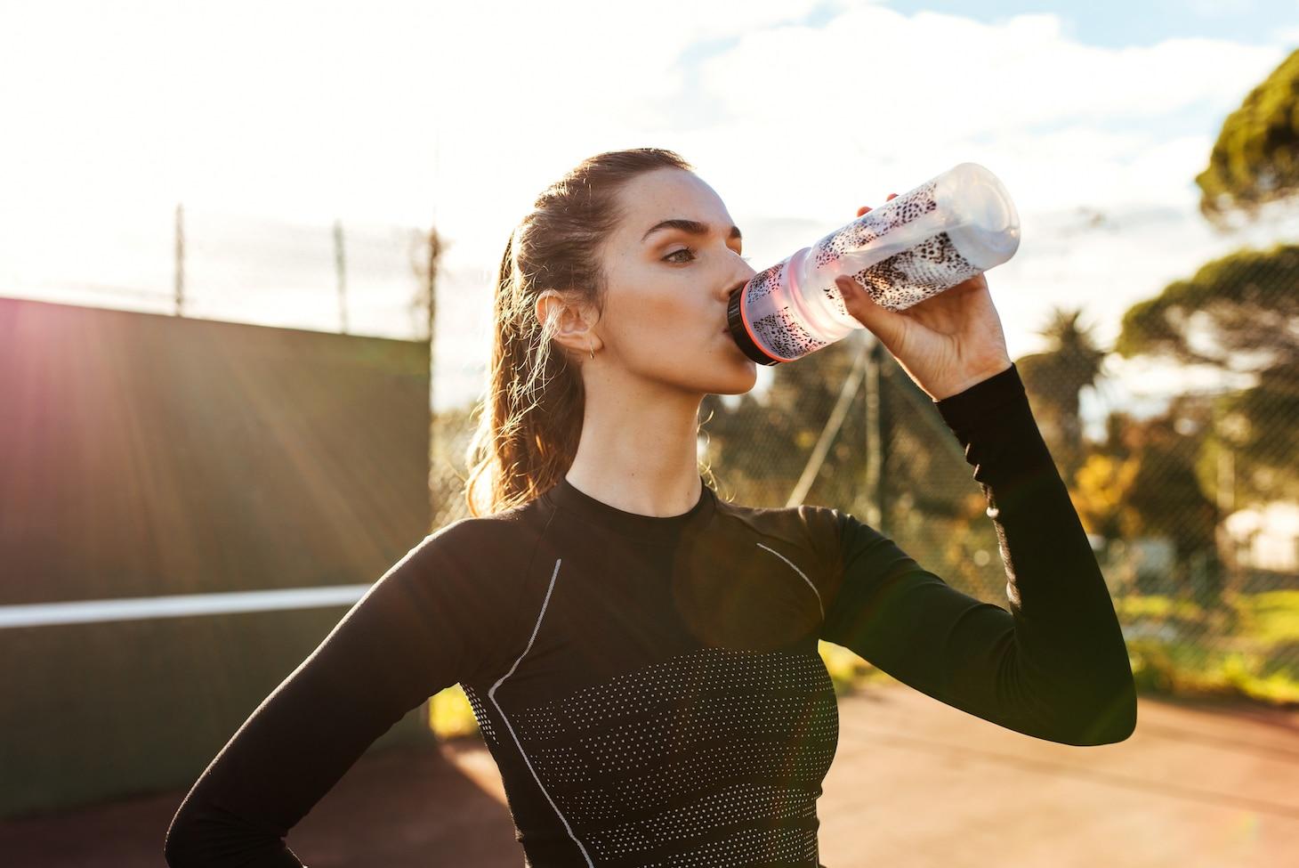 нужно ли пить воду во время тренирвок