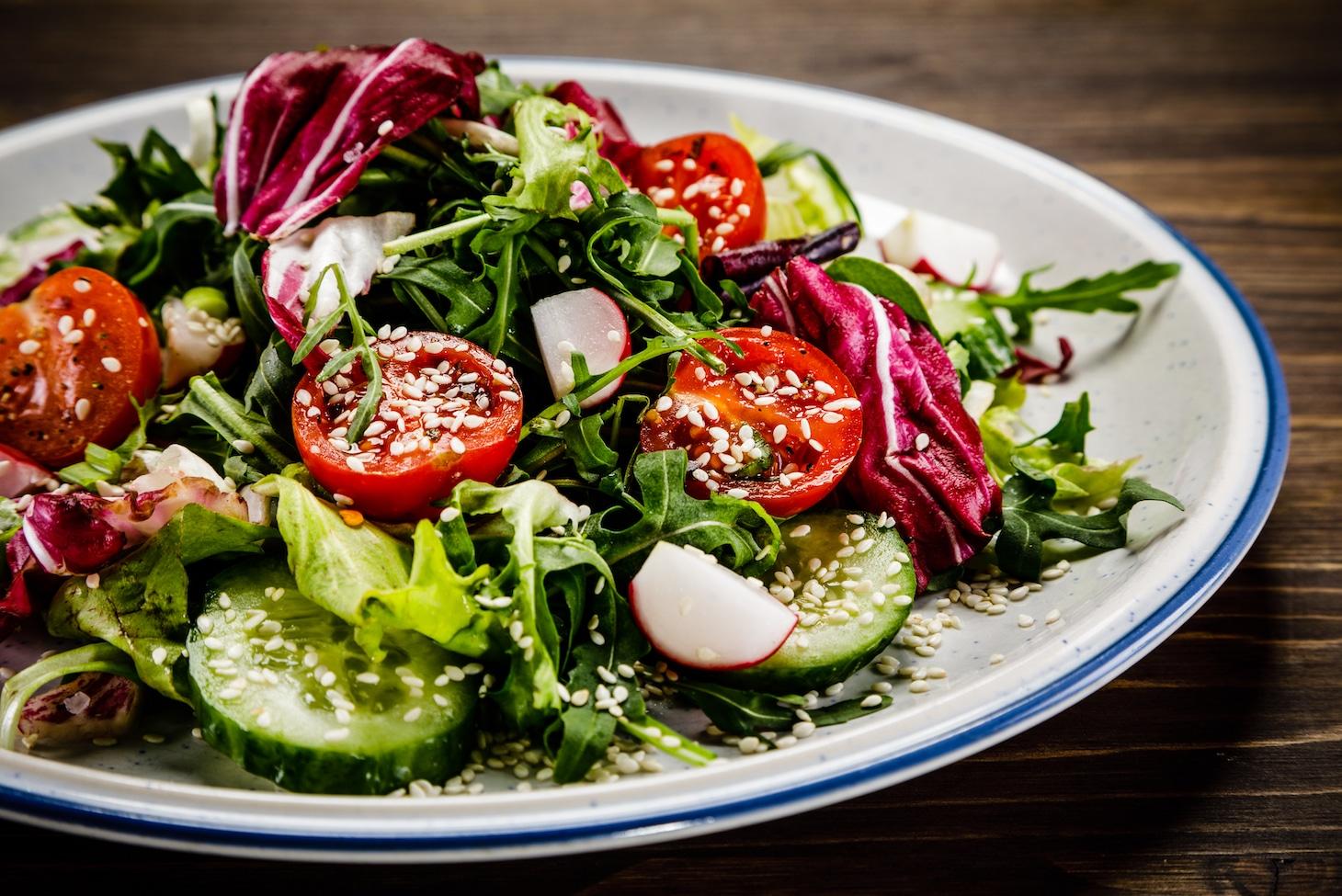 Салат с редисом и перцем.jpg