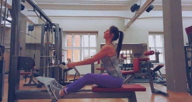 Упражнение упражнение тяга нижнего блока к поясу узким хватом