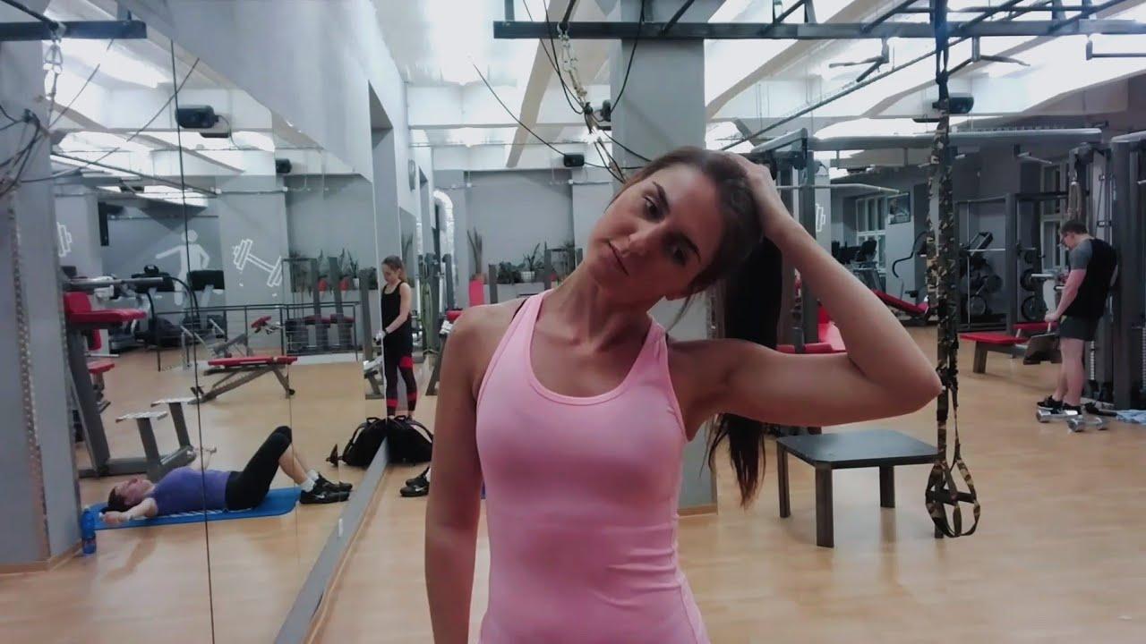 Упражнение растяжка мышц шеи: наклоны вправо влево